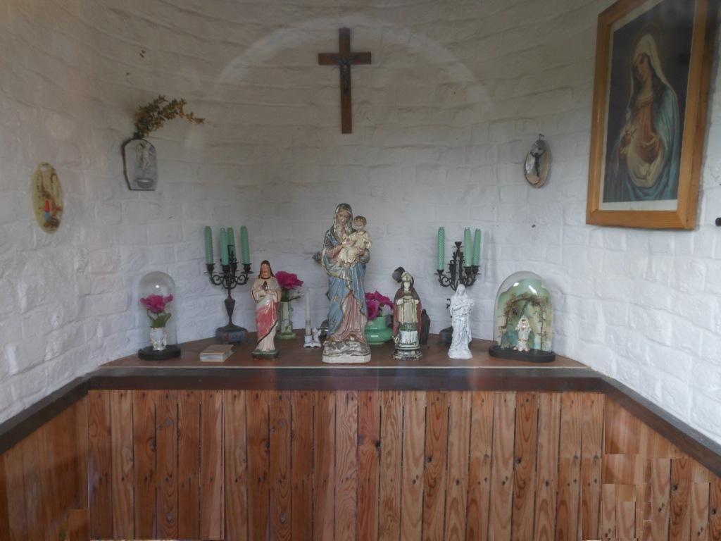 Intérieur de la chapelle Notre Dame de Bon Conseil