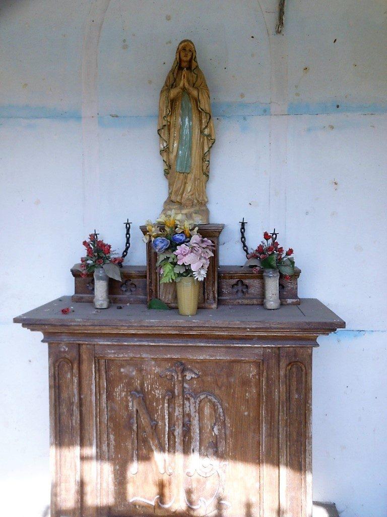 Intérieur de la chapelle Legrand