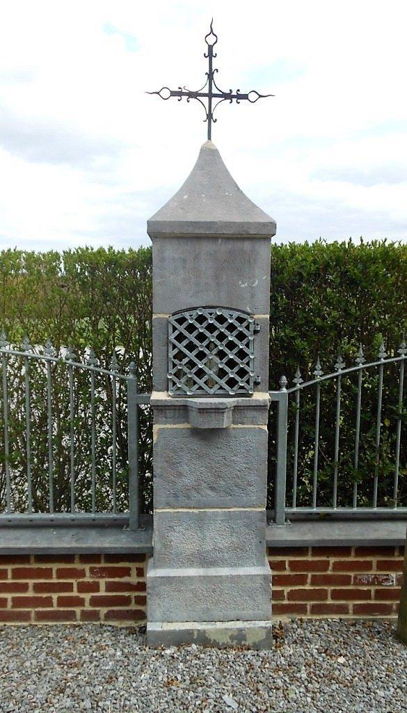 oratoire dédié à Jésus,Ste Vierge,ND de Liesse& ND de Bon Secours Rte de Beaurepaire