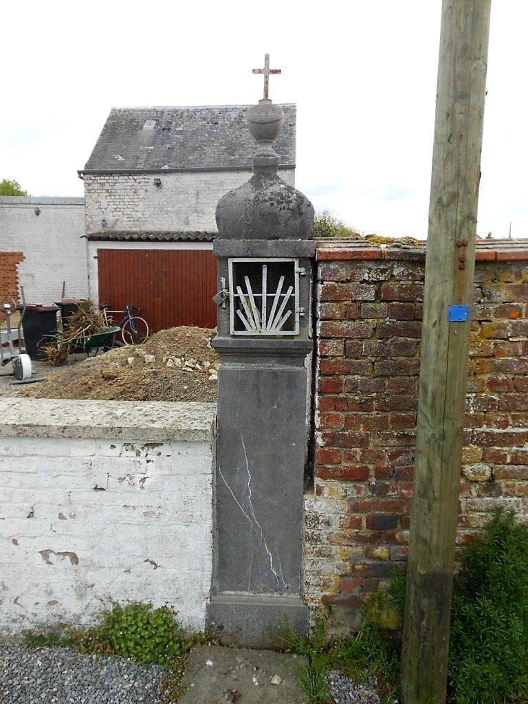 oratoire ND de Liesse,ND de Délivrance,ND de Walcourt et St Esprit rebâti en 1970 rte de Boulogne face au cimetière