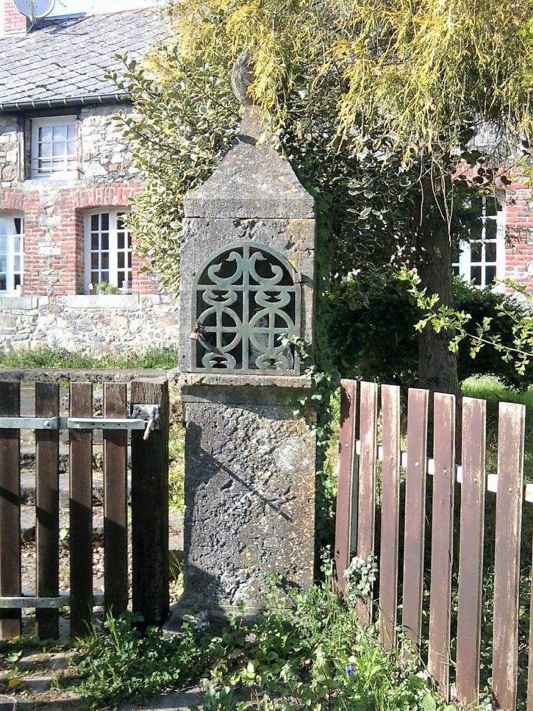 oratoire ND du Rosaire - 1860 - rue Ste Hiltrude (chemin de la Bricaille)
