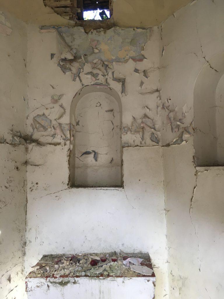 Intérieur de la chapelle JB Beth