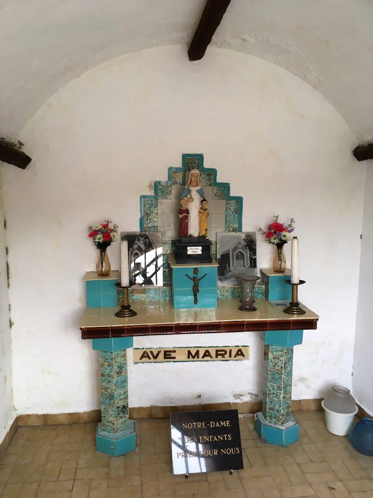 Intérieur de la chapelle N.D des Enfants