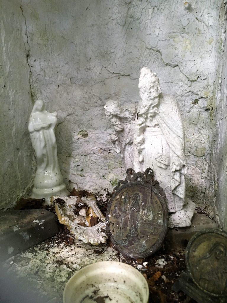 Niche de l'oratoire situé Chemin Bailleux