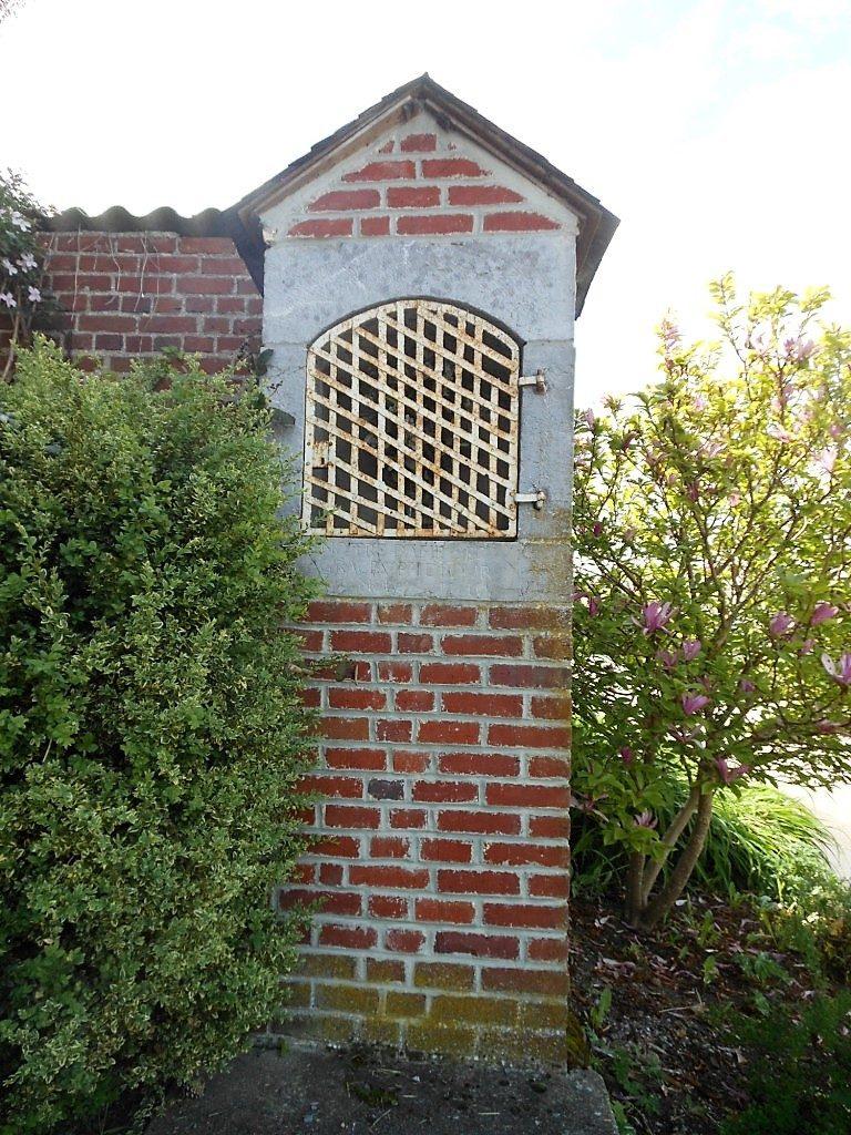 oratoire dédié à ND des Grâces 1810 - rue de Vieux-Mesnil X rue du Bosquet