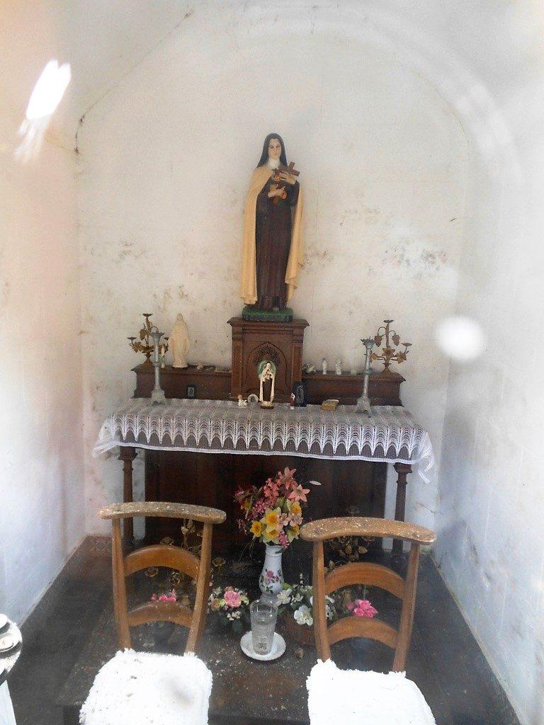 Intérieur de la chapelle Ste Thérèse