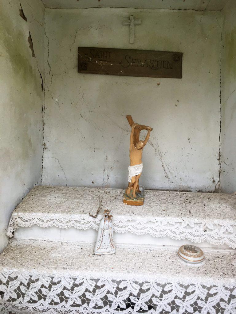 Intérieur de la chapelle située rue du Vert Gazon