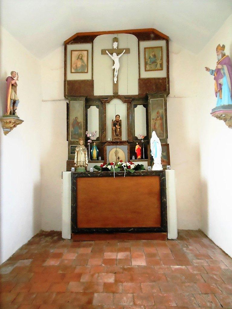 Intérieur de la chapelle N.D de Tongre
