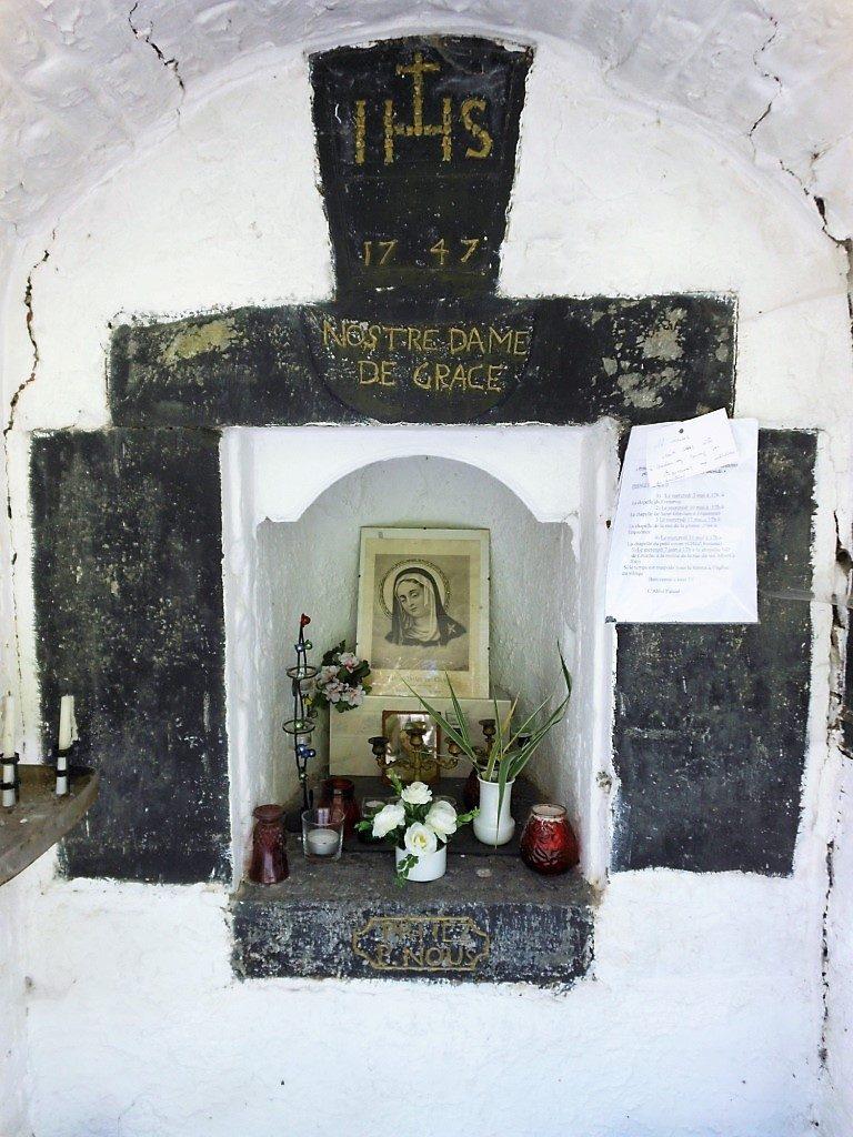 Intérieur de la chapelle N.D de Grâce