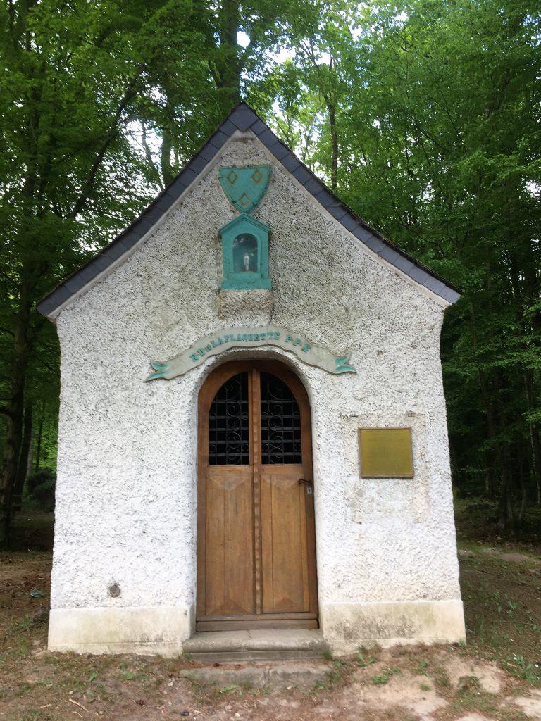 Chapelle N.D de la Flaquette ( XVIII è Siècle) Route du Quesnoy D 33