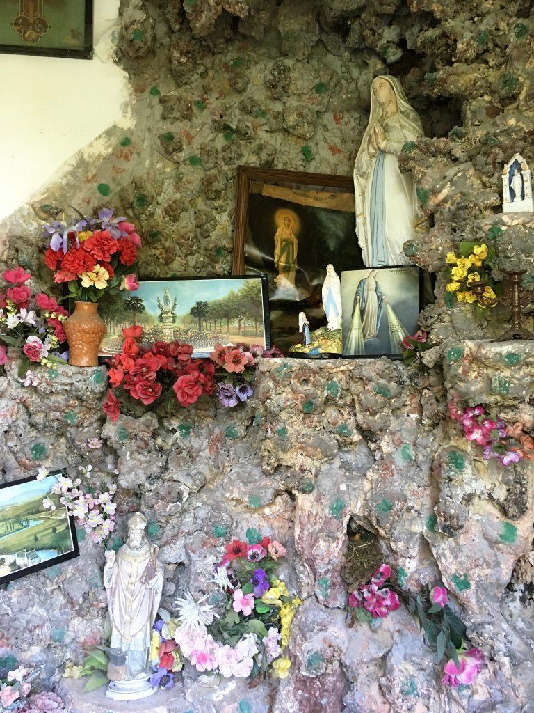 Intérieur de la chapelle du Vert Donjon