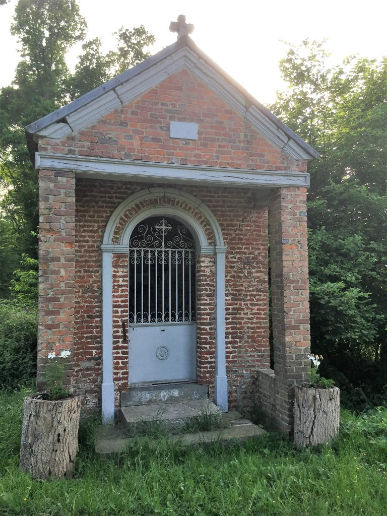 Chapelle du Vert Donjon. Route d'Hachette