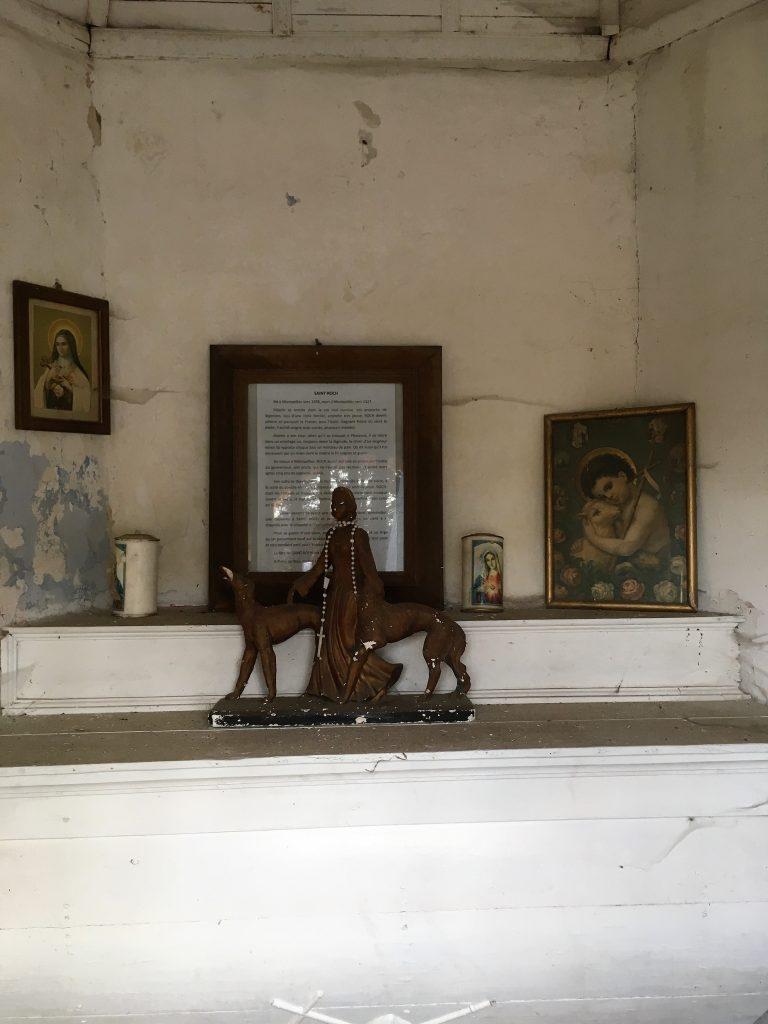 Intérieur de la chapelle route de Berlaimont