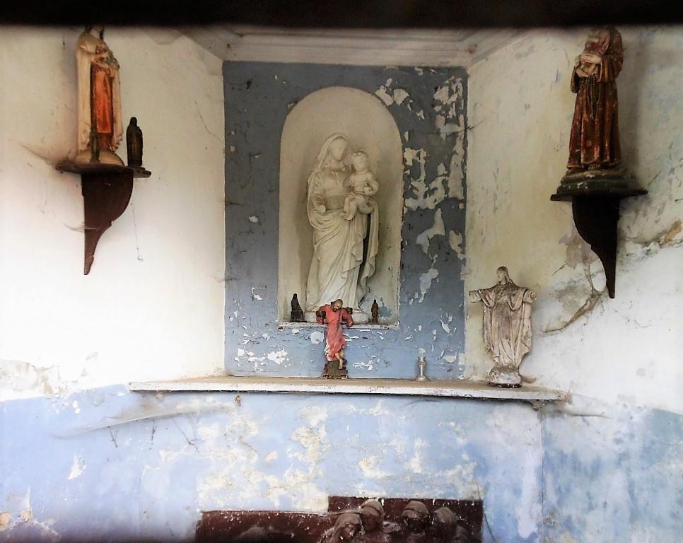 Intérieur de la chapelle rue des Bailles