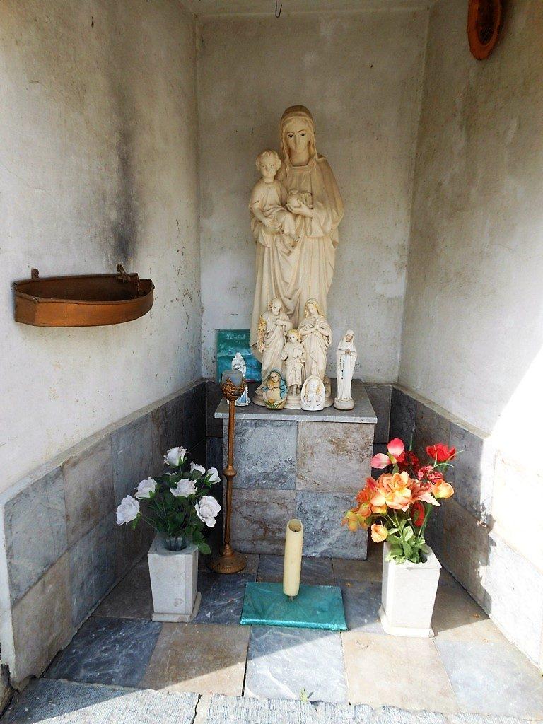 Intérieur de la chapelle du Pissotiau