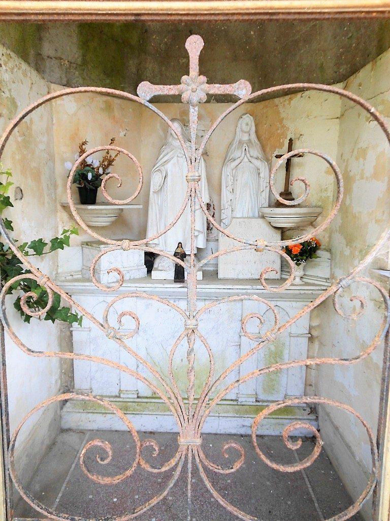 Intérieur de la chapelle Maillez