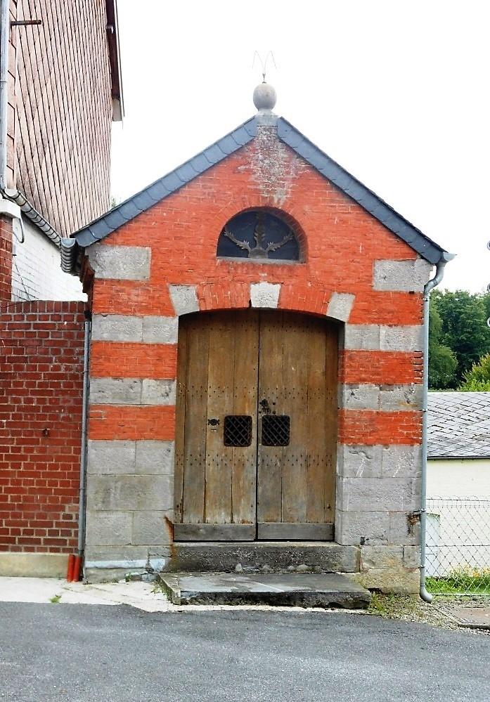 Chapelle. Rue de la Place