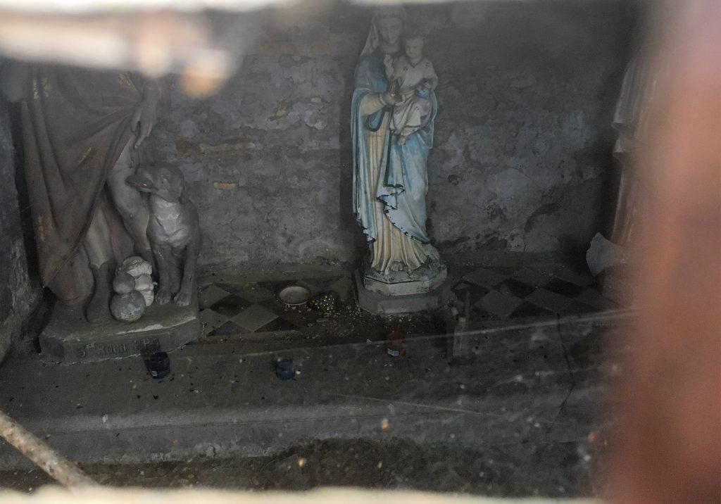 Statue de St Roch et de la Ste Vierge
