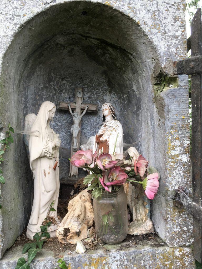 Niche de l'oratoire N.D de Bon Secours et St Fiacre.