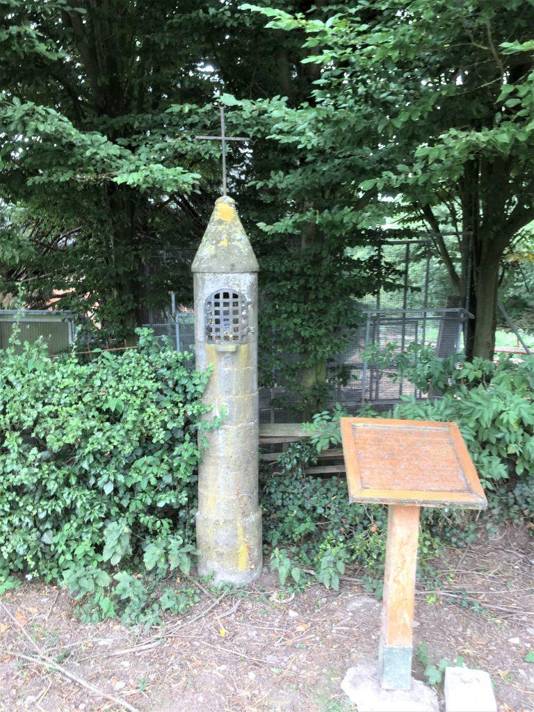 Oratoire Ste Vierge et Ste Philomène Route de Prisches le Grand Debout