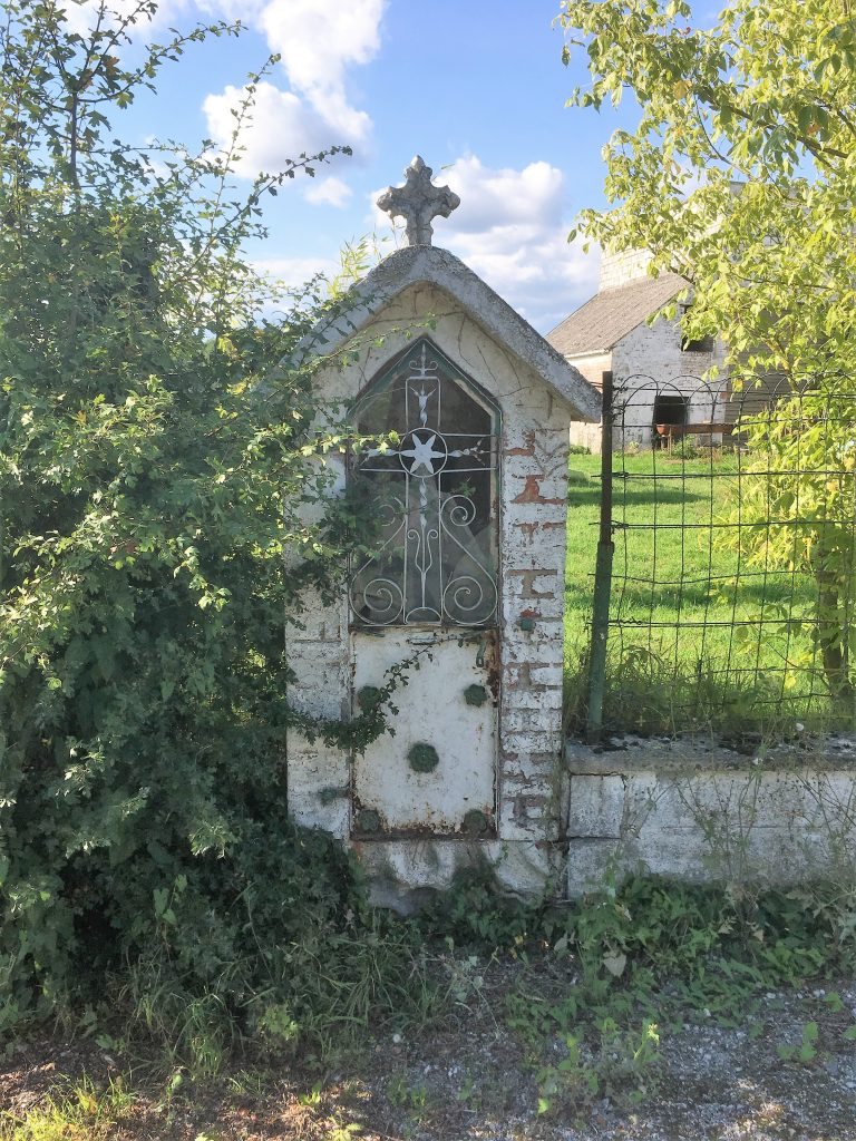 Chapelle située chemin de Dompierre