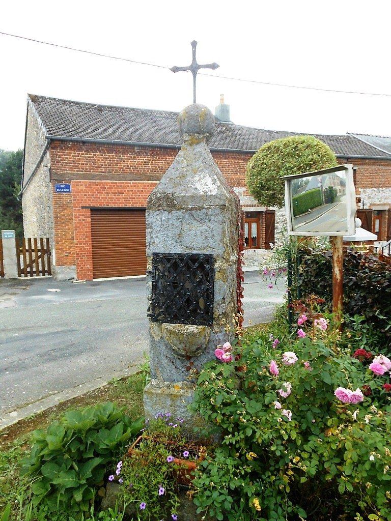 Oratoire N.D de Walcourt. Rue La Haut X Rue de la Buse