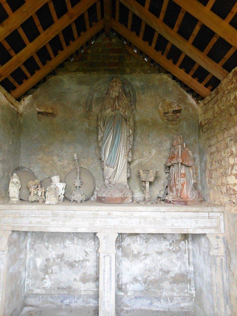 Intérieur de la chapelle Evrard-Bricard