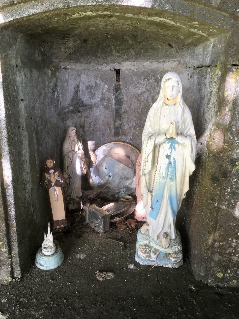 Niche de l'oratoire Ste Anne et Ste Marie