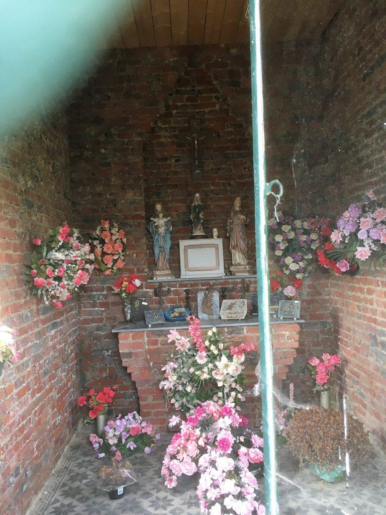 Intérieur de la chapelle Berlutiaux - Dubruille.