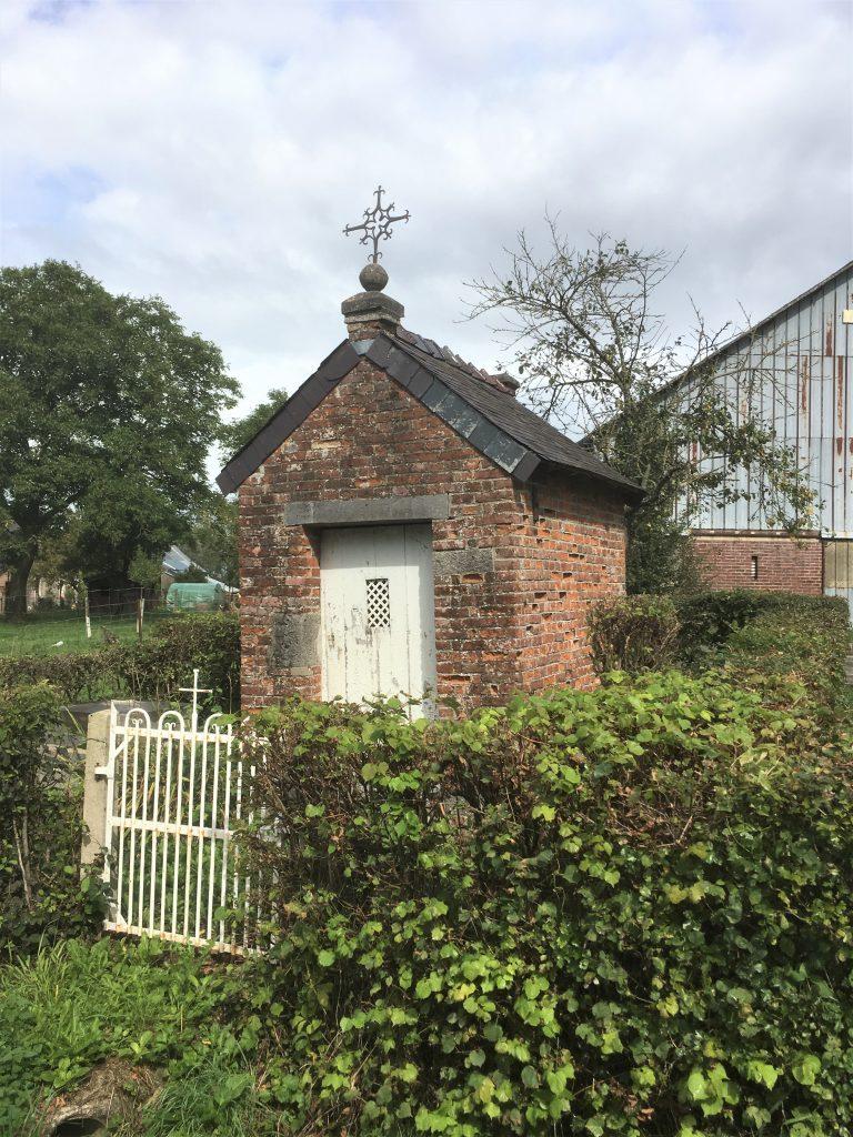 Chapelle. Route de Floyon