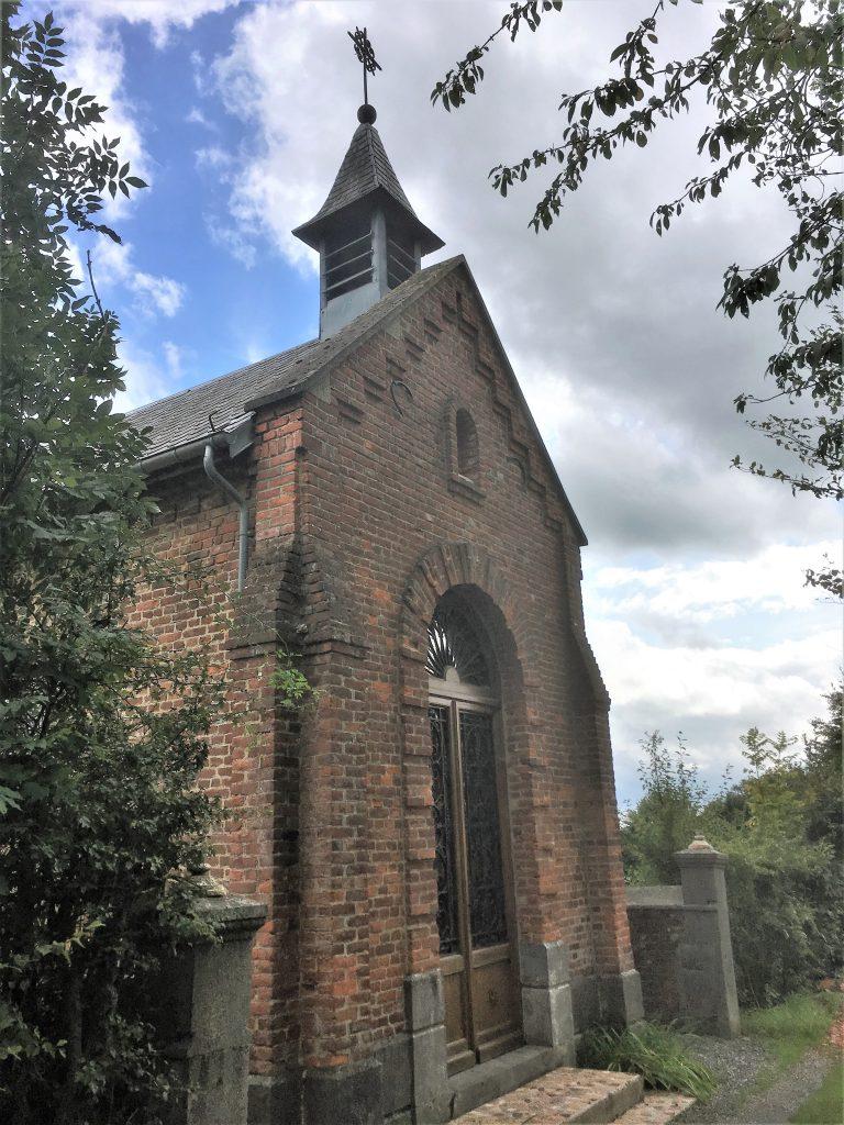 Chapelle St Etton du Bosquet. Impasse dans la rue de la Gare
