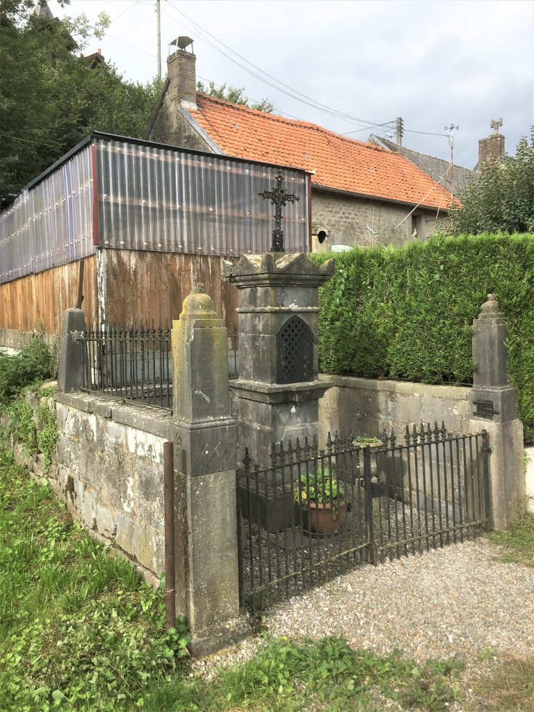 Oratoire St Etton, N.D des Affligés, St Hubert et St Antoine de Padoue