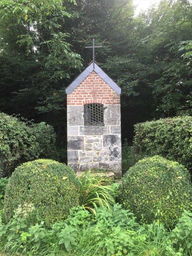 Oratoire N.D de Bon Secours, St Antoine de Padoue et St Etton (1708). Route de Taisnières.