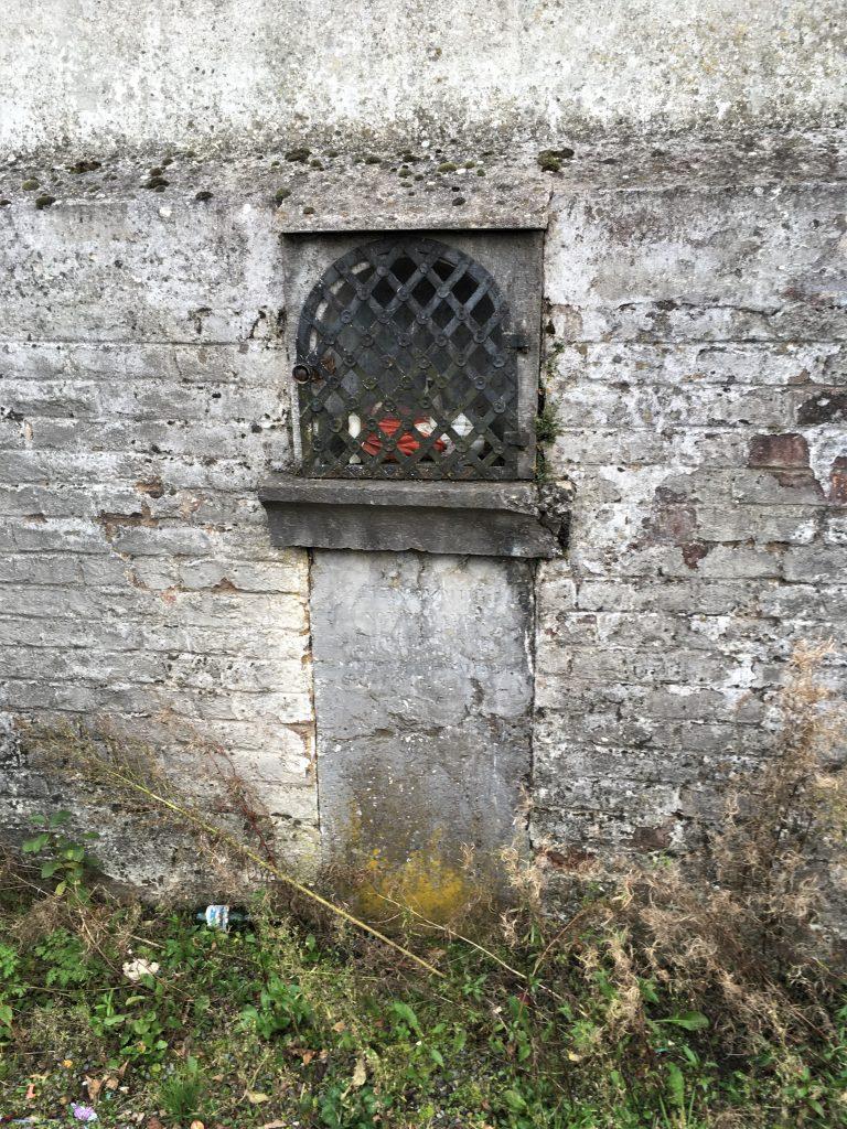 Oratoire Dieu, N.D de la Délivrance et N.D de Walcourt. Rue du Petit Champ d'Ermon