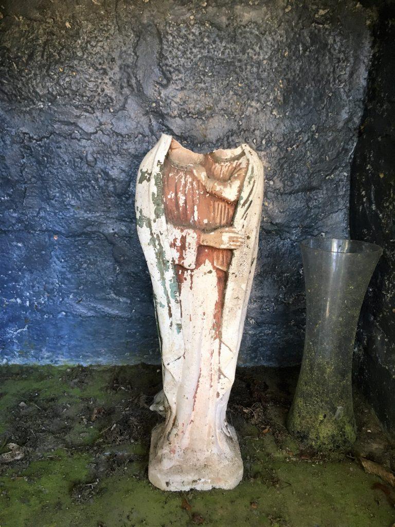 Statuette cassée